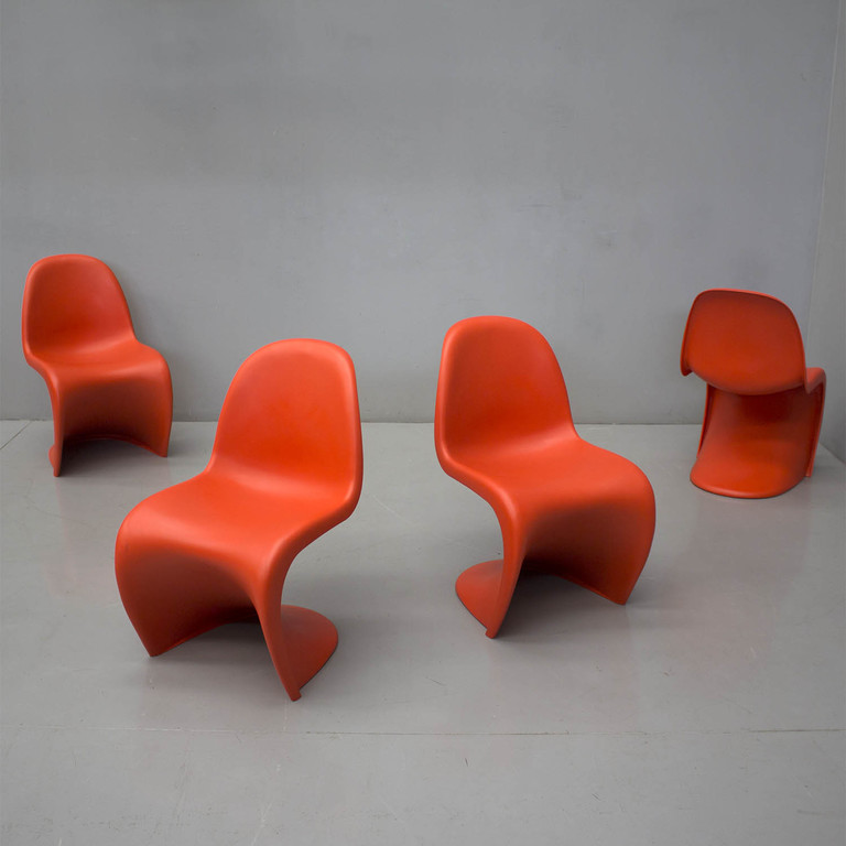 galleria-frison-panton-chairs